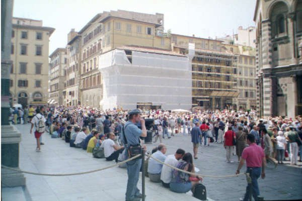 Florence - Duomo with mid-day crowd